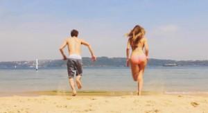 Garoto viaja 28 horas para surpreender a namorada