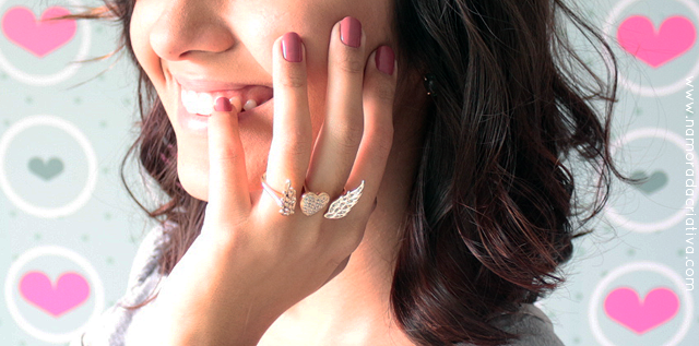 Coleção de semi-jóias românticas