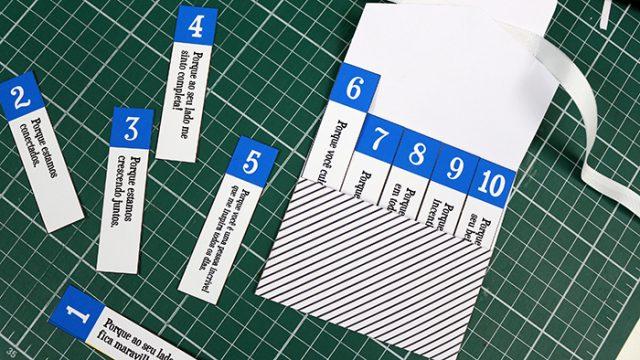 Encaixe as tirinhas de papel dentro.