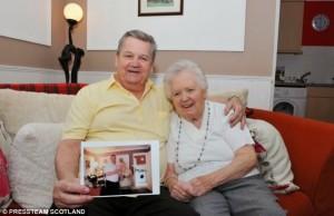 Marido recria sua antiga casa para ajudar esposa com doença