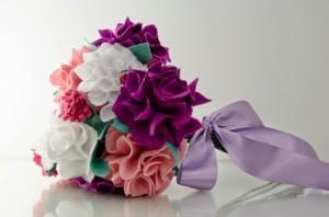 Série: bouquets diferentes – DIY bouquet de feltro
