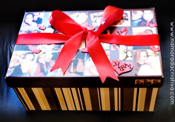 Mariana personalizou a caixa de presente com fotos do casal.