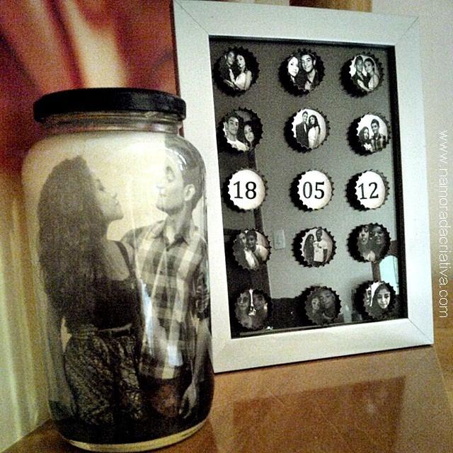 Porta-retratos com tampinhas de garrafa
