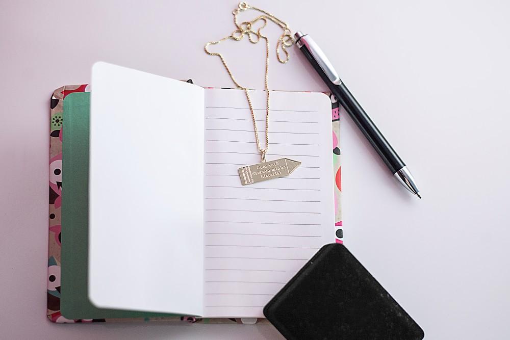Colar Escrevo Minha História