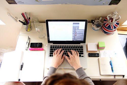 Procura-se uma nova designer colaboradora do Namorada Criativa!
