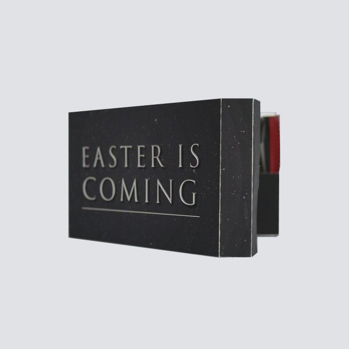 "Cartão ""Easter is Coming"""